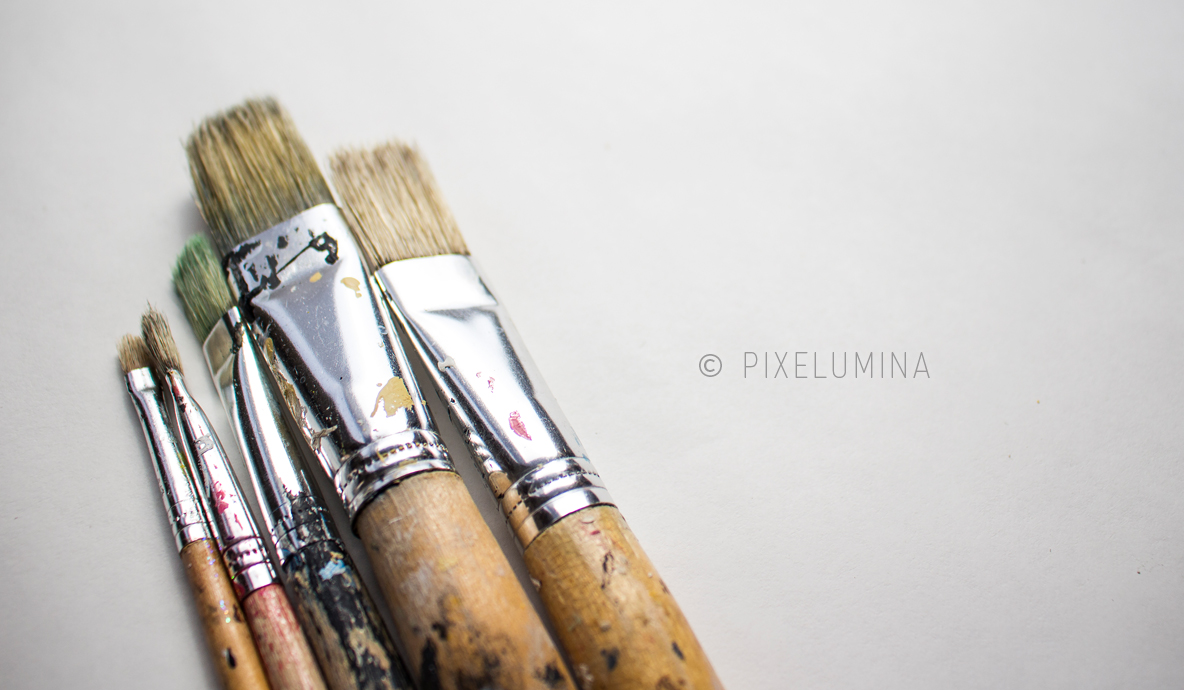Paintbrush On White; © Pixelumina